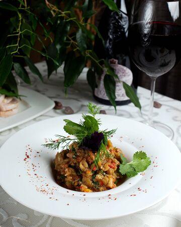 mangal salad with glass of wine 版權商用圖片