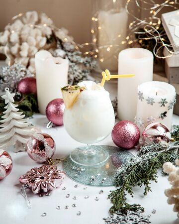 milkshake candles and toys on the table 版權商用圖片