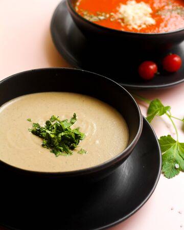 mushroom soup and tomato soup 版權商用圖片