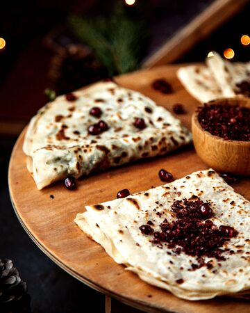 qutabs with pomegranate and sumakh 版權商用圖片