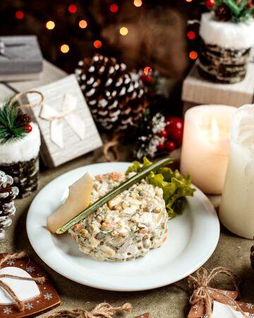 russian salad with slice of cheese 版權商用圖片