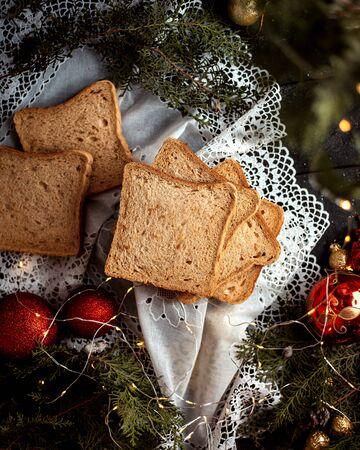 sliced bread with new year toys 版權商用圖片 - 144710638
