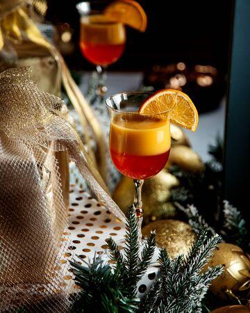 tropic juice with orange slice on top 版權商用圖片