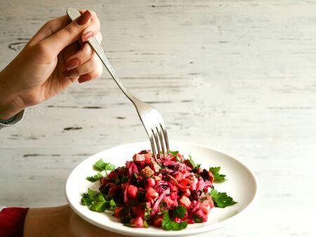 vegetable salad with herbs 版權商用圖片 - 144710786