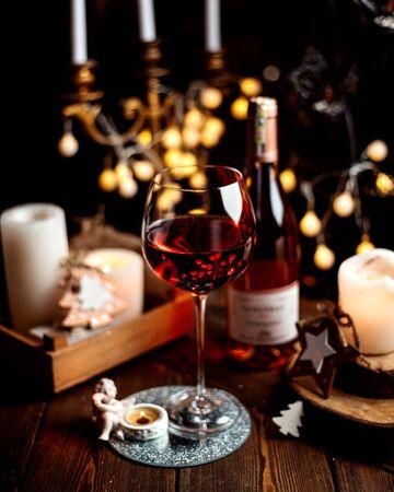 a glass of red wine 版權商用圖片 - 144710857
