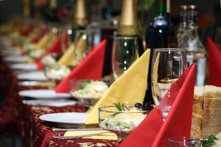 festively: The table covered by a holiday with drinks