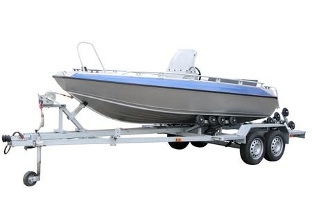 remolque: Barco de motor por separado sobre un fondo blanco