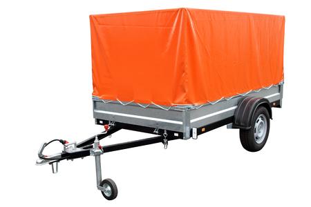 Oranje auto trailer, geïsoleerd op een witte achtergrond Stockfoto