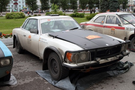 next stage: PERM, RUSSIA - JUNE 29, 2016: Rally of retro-cars Peking-Paris 2016 , June 29, 2016 in Perm, Russia. Mercedes 450 SLC is in the city after the next stage.