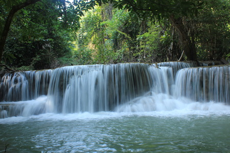 Huay Mae Kamin Wasserfall.