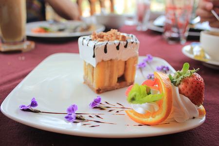 cake with fresh strawberries photo