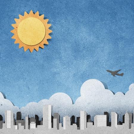 pamiętaj: silhouettes panoramy miasta recyklingu papieru Å'odzie Memory stick na biaÅ'ym tle