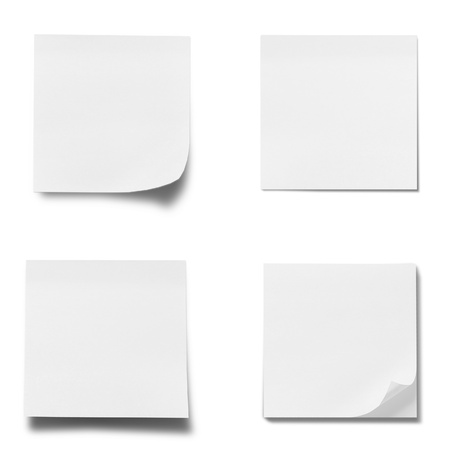 Memo-Stick-Papier isoliert auf weißem Hintergrund
