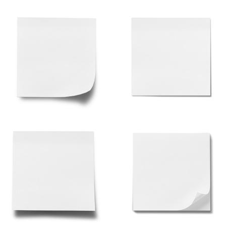 tack board: papel de palo de Memo aislada sobre fondo blanco Foto de archivo