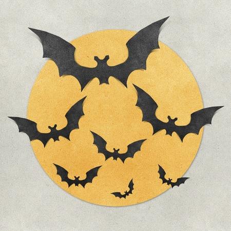 murcielago: Halloween bat y fondo de luna llena reciclado papercraft