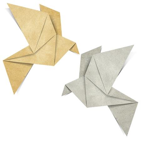 papel reciclado: Origami de aves a partir de papel reciclado