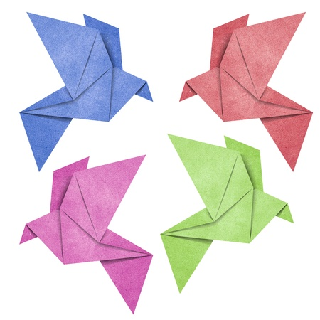oiseau mouche: Origami oiseaux fabriqu�s � partir de papier recycl�