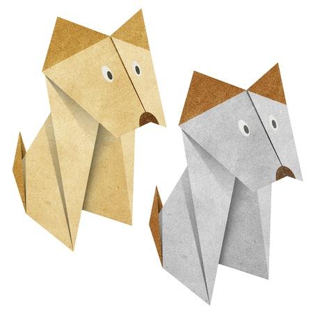 papel reciclado: Perro de Origami a partir de reciclaje de papel
