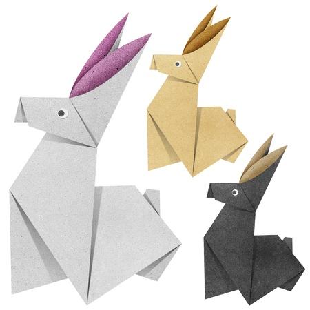 silhouette lapin: Origami de lapin fabriqué à partir de papier recyclé