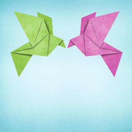 origami oiseau: Origami bird fond de papier recycl�