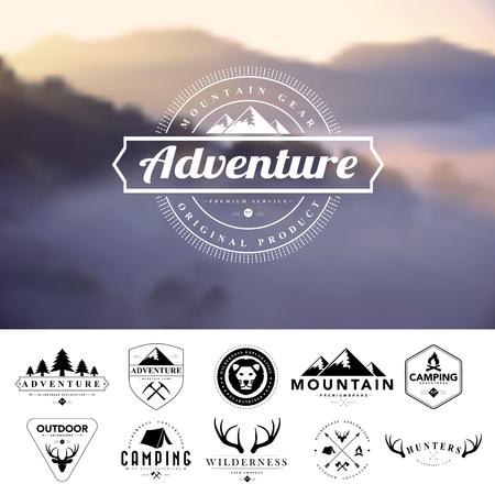 Reeks uitstekende camping badges en labels.Vector eps 10 Stock Illustratie