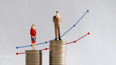 The concept of continuing gender pay gap. Фото со стока - 99966284