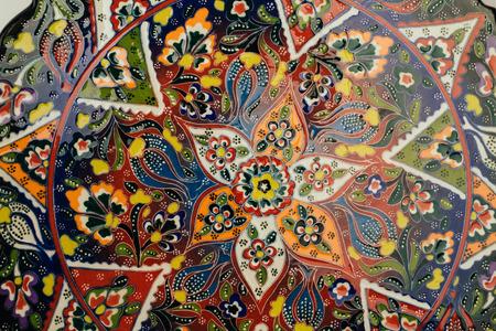 Close up von Vintage-Schale mit traditionellen orientalischen Ornament