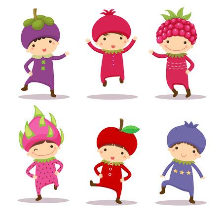 manzana caricatura: Ilustración de los niños lindos en el mangostán, granada, frambuesa, fruta del dragón, manzana y arándanos trajes
