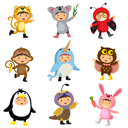 Set von niedlichen Kinder Tierkostüme tragen. Jaguar, Koala, Marienkäfer, Affe, Narwal, eule, Pinguin, Wachteln, Kaninchen.