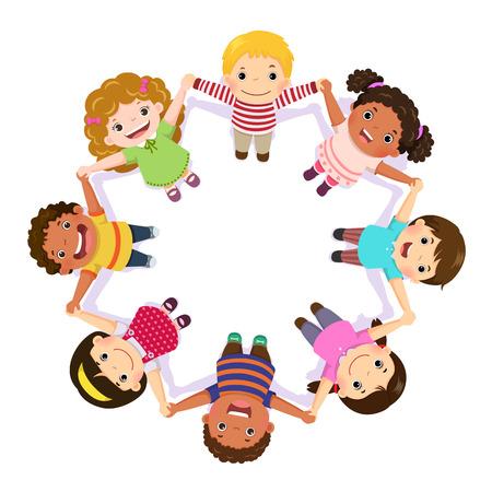 Kinder halten sich im Kreis an den Händen