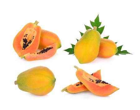 Papaye isolé sur un fond blanc Banque d'images - 84318707
