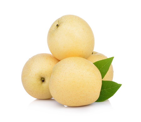 Asian-pear fruit op witte achtergrond Stockfoto - 84318553