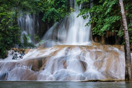 サイ Yok ノイは、カンチャナブリの滝