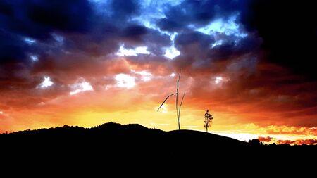 Dramatic sunset and sunrise sky. Фото со стока - 132106675