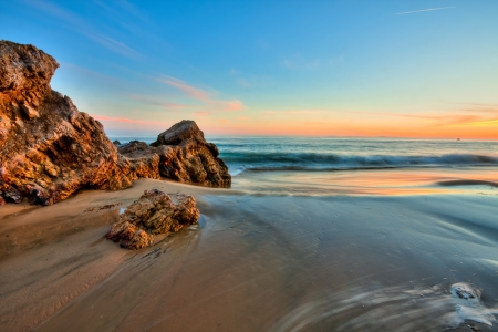 california coast: Puesta de sol en playa de California
