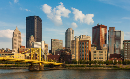 Pittsburgh downtown skyline by the river  版權商用圖片