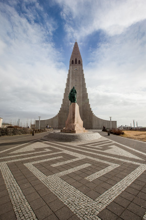 leif: REYKJAVIK, ICELAND - April 03: Hallgrimskirkja Church is a famous and largest church in Reykjav�k, Iceland, with statue of Leif Erikson,on April 03, 2014 Editorial
