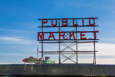pike place market sign: Pike place fish market sign in downtown Seattle. Stock Photo