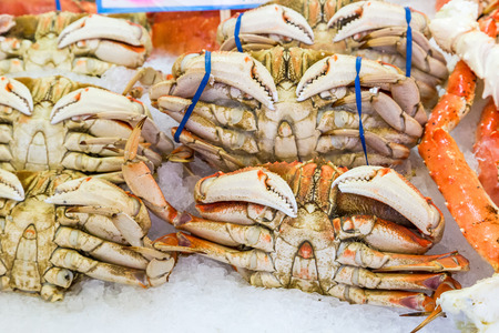 pike place: Whole large crabs in Pike place market, Seattle
