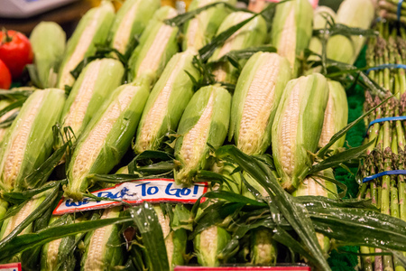 pike place: Fresh corns on vegetable stand in Pike place market, Seattle.