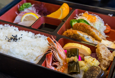 Japanese seafood bento set