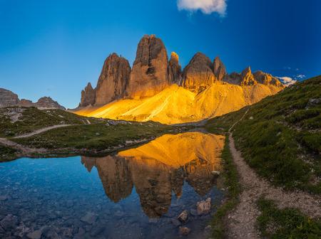 Beautiful sunset at Tre Cime di Lavaredo trail in northern Italy Stock fotó