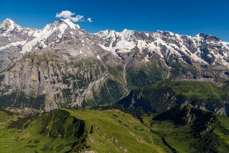 Beautiful view of Jungfrau valley from top of schilthornin summer, Murren, Switzerland 版權商用圖片