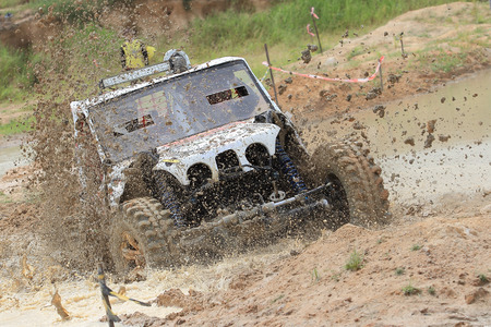 Mud splash in off road competition