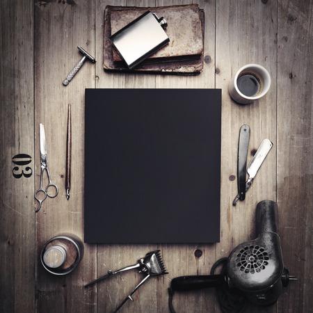 barbero: Herramientas de la vendimia de peluquería y lienzo en blanco Foto de archivo