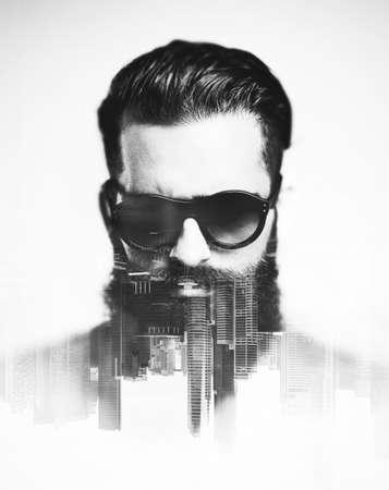 exposici�n: Doble exposici�n con el hombre barbudo y de la ciudad