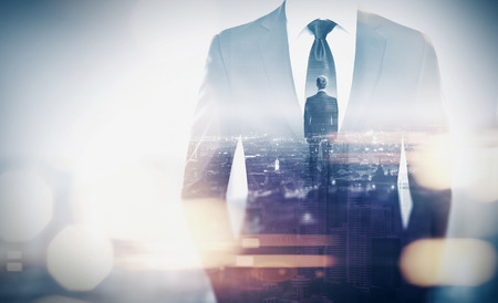 koncept: Podwójna ekspozycja biznesmena i megalopolis Zdjęcie Seryjne