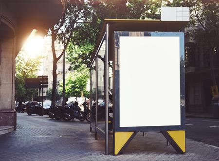 transporte: Paragem de autocarro mockup
