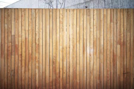 Zeer gedetailleerde en lege houten muur. Grijze achtergrond, horizontaal