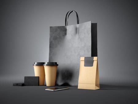 cafe internet: Conjunto de bolsa de compras negro, dos tazas de café, paquete de artesanía, tarjetas de visita negras y el teléfono inteligente diseño genérico. fondo oscuro